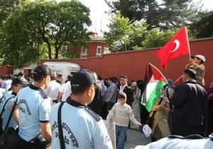 Израиль эвакуирует из Турции семьи своих дипломатов