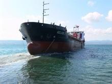 Российский сухогруз зацепился за утонувшее в Керченском проливе судно