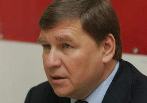 Тарасюк попросил МИД и МВД Австрии предоставить Поживанову политубежище