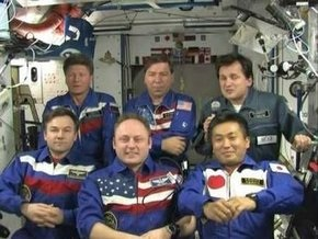 Экипаж 18-й экспедиции на МКС и космический турист вернутся на Землю
