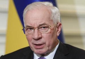 Азаров рассказал, почему власти отменили голограммы