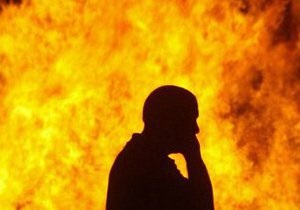 В Ливии горит топливное хранилище