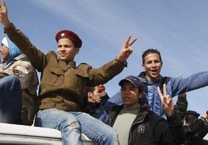 Оппозиционный Нацсовет Ливии провозгласил себя единственным представителем власти