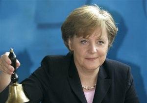 Меркель приедет на Евро-2012, если Тимошенко отпустят в Берлин - депутат Бундестага