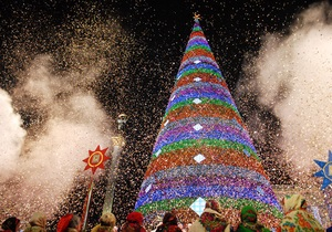 Власти Киева приглашают всех желающих украсить столицу к Новому году