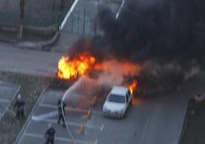 Милиция: Сгоревший Lexus во дворе дома Луценко не взрывался