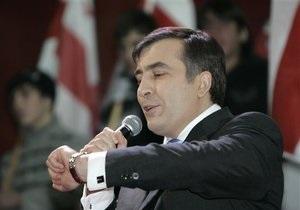 Саакашвили объяснил опоздание на встречу с президентом Эстонии кознями одной  маленькой  страны