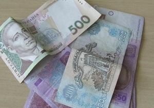 Гривну ожидает умеренная девальвация - эксперты