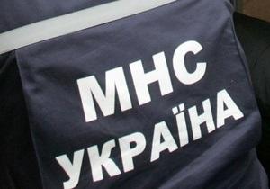 В Бердянске сотрудники МЧС спасают иностранное судно