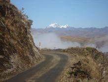 В Перу пассажирский автобус разбился об скалу