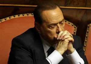 Соратники Берлускони просят о его помиловании и готовы к отставке