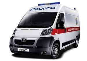 Журналисты обнаружили в Киеве около сотни новых незадействованных машин скорой помощи