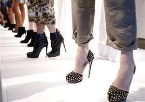 Британские эксперты нашли связь между каблуками и стабильностью экономики