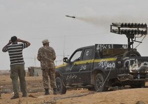 Повстанцы захватили южный район родного города Каддафи