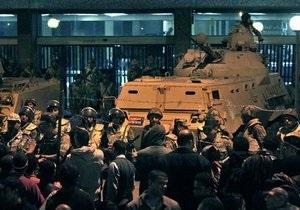 Египетские демонстранты добрались до президентского дворца в Каире