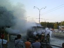 В Киеве на Дорогожичах полностью сгорела маршрутка