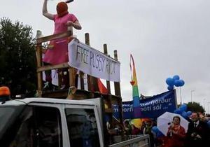 Мэр Рейкьявика выступил на гей-параде в образе участницы Pussy Riot