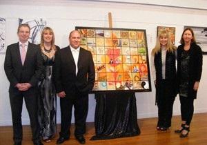 На аукцион выставлена картина, которую рисовали 56 художников