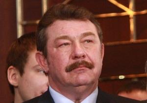 Источник: Янукович будет предлагать на должность министра обороны Кузьмука