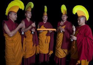 Тибетские монахи выступят на крупнейшем музыкальном фестивале Британии