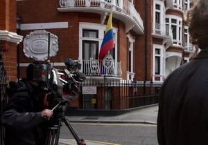 Британская полиция может арестовать Ассанжа