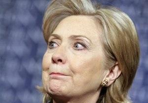 Клинтон обвинила Россию в поставках Сирии вертолетов