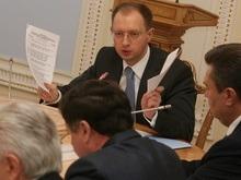 Яценюк: Идет борьба, кто более мудрый