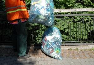 Владельцев киевских МАФов будут штрафовать за мусор вокруг киосков