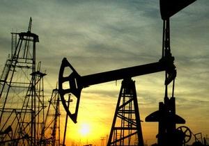 Мировые цены на нефть снизились на доллар