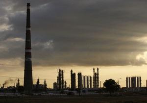 Поступления от акциза с нефтепродуктов рухнули на треть с начала года - источник