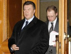 Опрос: Президентские рейтинги Януковича и Яценюка возросли
