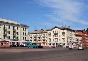 Нежин - площадь Франко - переименование - В Нежине центральную площадь Ленина переименовали в честь Ивана Франко