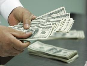 Нацбанк впервые в этом году изменил курс доллара