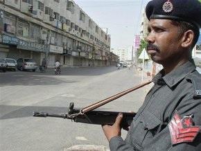 В результате взрыва КПП в Пакистане погибли семеро полицейских