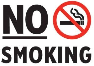 Греция выгонит курильщиков на улицы