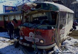 В Харькове трамвай сошел с рельсов