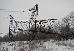 В Запорожской области из-за похитителей металла упала опора ЛЭП
