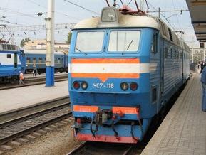 В Крыму микроавтобус столкнулся с пассажирским поездом