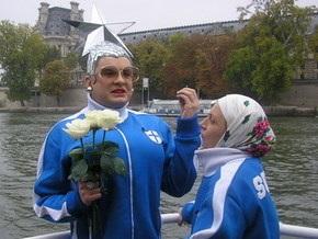 На украинской вечеринке в Венеции побывали Наоми Кэмпбэлл и Верка Сердючка