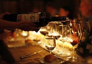 Американские фаст-фуды начали продавать алкоголь