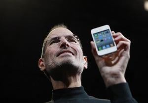 За сутки предварительный заказ на iPhone 4 оформили более полумиллиона человек
