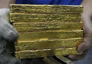 Золото подешевело до минимума за десять недель