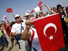 Анкара направила Баку ноту из-за спущенных турецких флагов