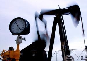 Нефть медленно дорожает, несмотря на рост опасений относительно развития кризиса