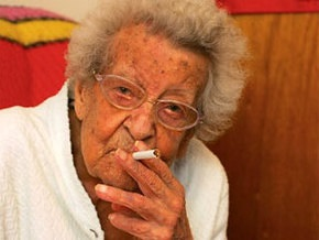 Курильщица с 95-летним стажем бросила вредную привычку