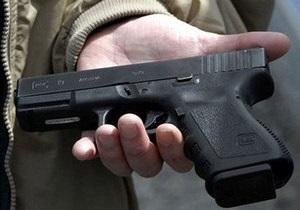 В Донецке подросток, угрожая игрушечным пистолетом, похитил у пенсионера духовку из угольной печки