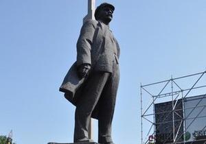 Донецкий памятник Ленину пишет в Twitter