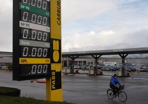 На трети территории Франции ощущается нехватка топлива: страна расходует стратегические резервы