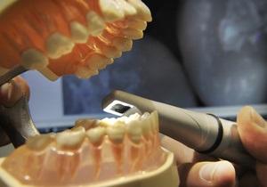 25-летний австралиец лишился всех зубов из-за злоупотребления колой