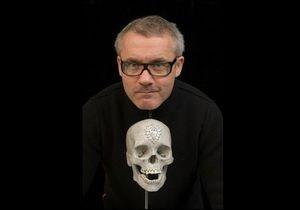 Автор бриллиантового черепа начал сотрудничество с Alexander McQueen